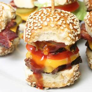 ¡Hamburguesas, hamburguesitas o súper hamburguesas en tu bar!