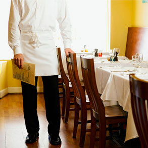 Ropa laboral para tu bar: un toque de distinción y personalidad