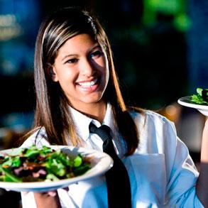 Empleados satisfechos: gran estrategia para lograr más ingresos en tu bar