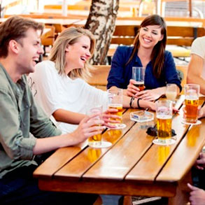 ¿Cómo lograr que tus clientes ayuden a promover tu bar?