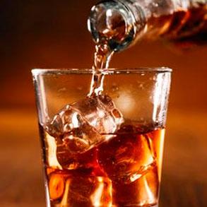 No se sirven las bebidas  adecuadamente