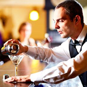 Capacita a tus empleados para servir bebidas alcohólicas de forma responsable