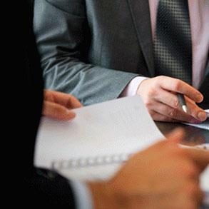 ¿Cuándo consultar un abogado en las gestiones de tu bar?