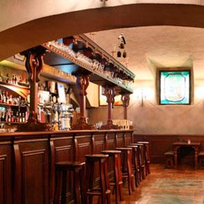 La barra del bar un sitio clave para el xito de tu for Diseno de barras de bar