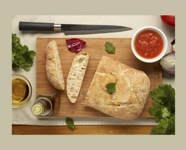 Pan Precocido.Nuestros panes están cortados y formados a mano.