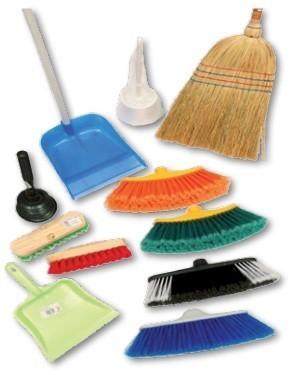 Limpieza. Escobas, Químicos, Carros de limpieza, Limpieza