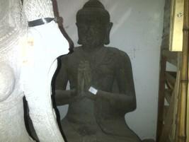 Buda en piedra