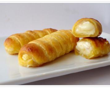 Tequeños de hojaldre con queso. Un delicioso tequeño