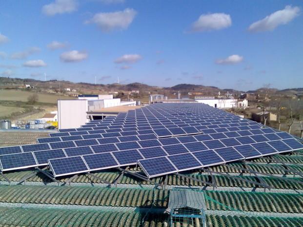 Energía Solar. Instalación y mantenimineto de placas fotovoltaicas.