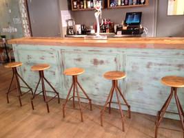 Barras de bar para bares en madrid for Barra bar madera segunda mano