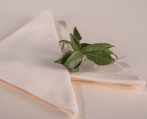 MANTEL-SATEN-MARFIL. Mantel Saten marfil, 50% Algodón, 50% Poliéster