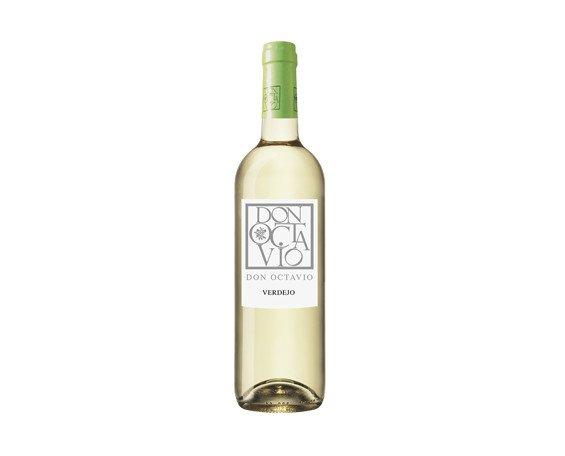 Vino Blanco.Color amarillo pálido con reflejos verdosos
