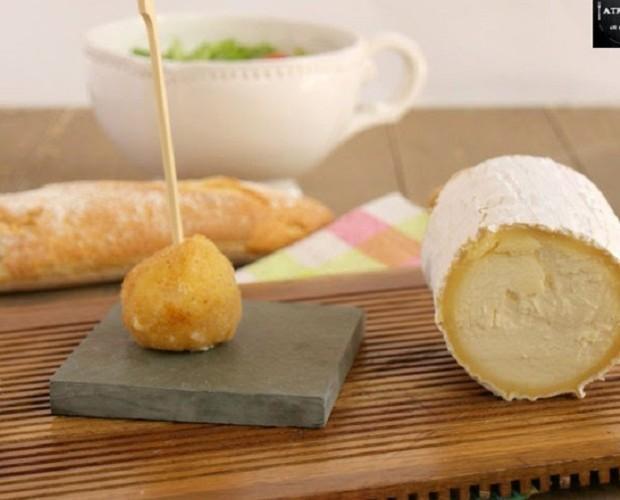 Brie con lomo. Croqueta de brie con lomo y cebolla caramelizada