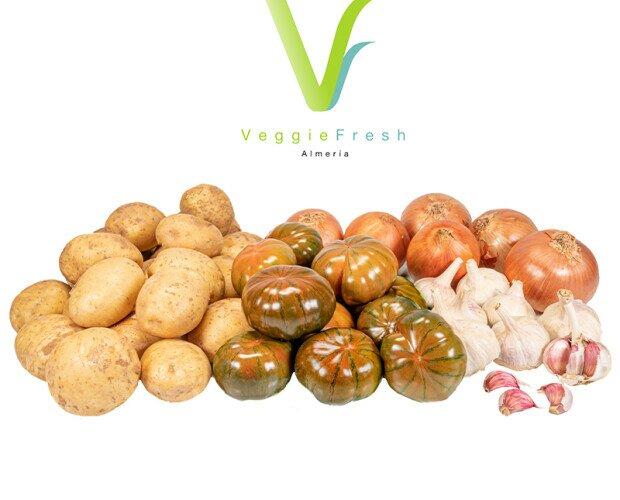 Veggie Box Laujar. 9,5 Kg de verdura que contiene: Tomate, Cebolla, Patata y Ajo.