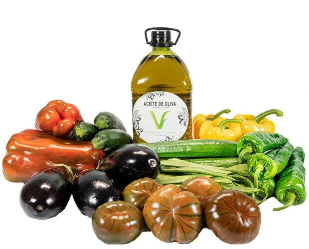 Veggie Box Berja Premium. Contiene 3L de AOVE, Pimientos, Berenjena, Calabacín, Tomate, Judía Verde, Pepino