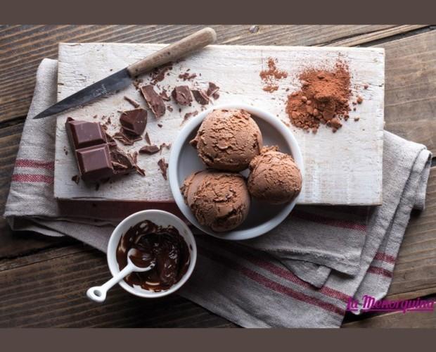 Helado.Helado de chocolate puro