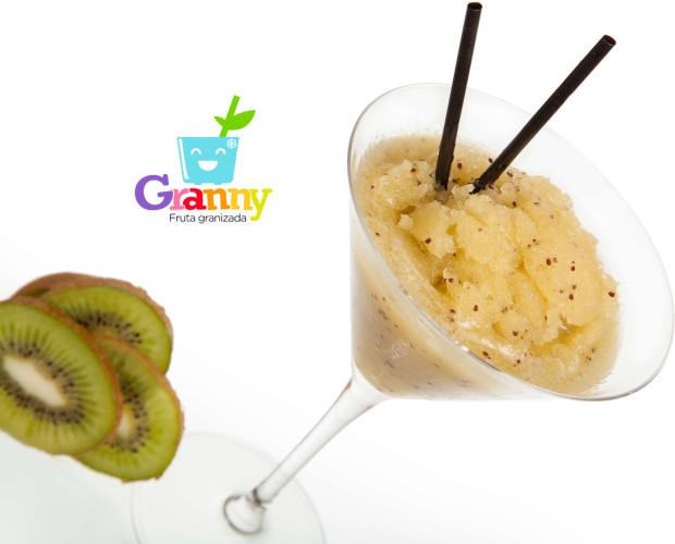 Granny de Kiwi. Tiene un sabor de subácido a bastante ácido, similar al de la grosella o la fresa.