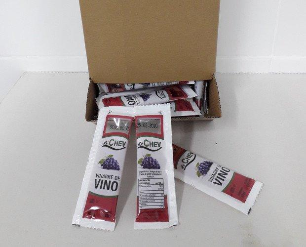 Vinagre de vinoen Monodosis. Monodosis de vinagre de vino. Caja con 150 und o 300 unidades aproximadamente.