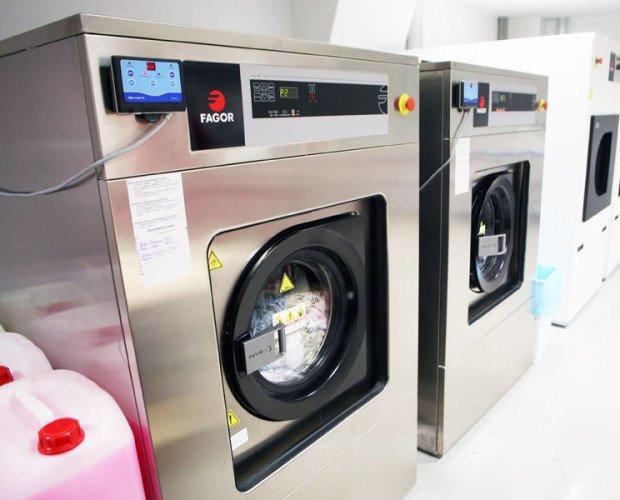 Equipos de lavandería. Disponemos de equipos de lavado y secado de ropa, para restaurantes y hoteles.