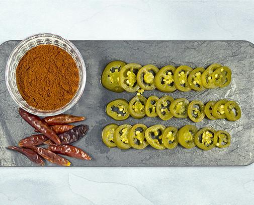 Jalapeño. Cultivamos y transformamos el auténtico jalapeño chile en nuestro país