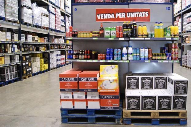 Instalaciones sección bebidas. Zumos, refrescos, bebidas alcohólicas y mucho más