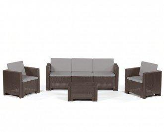 Mesita, sofá  y 2 sillones para exterior. ompleto conjunto de mobiliario para utilizar en exterior