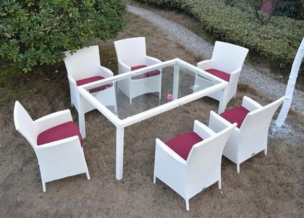 Aluminio y ratán. Set jardín de sillones y mesa