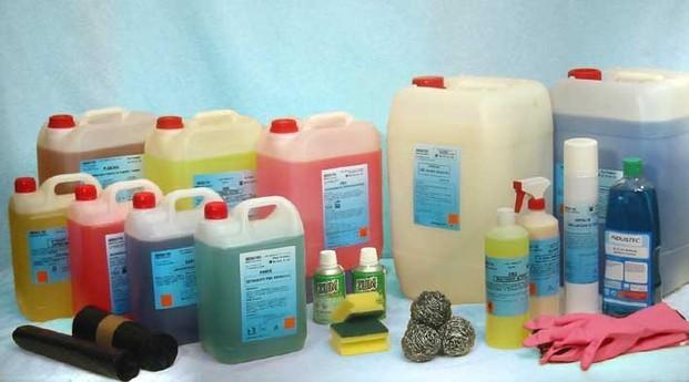 Productos de Limpieza. Champú, cera abrillantadora, detergentes