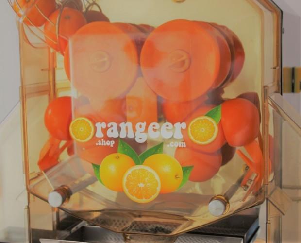 Exprimidora de zumos. Exprime hasta 40 naranjas por minuto