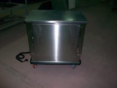 Mobiliario de acero inoxidable. Mesas calientes y otro equipamiento