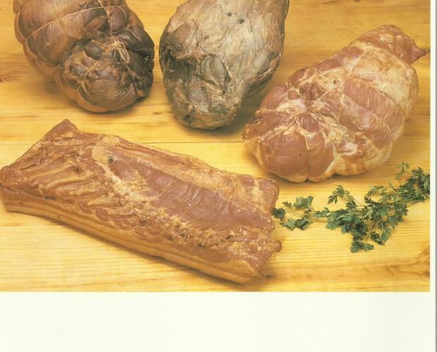 Embutidos Cocidos. Bacon Ahumado. Variedad de ahumados