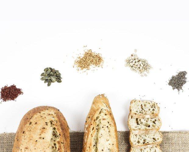 Panes con semilla. Diferentes formatos de pan con semillas