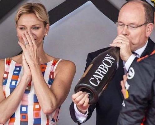 Champagne Carbon. Somos distribuidores de bebidas Premium