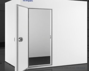 Cámara frígorifica. Chapa de acero galvanizado y prelacado poliéster con un film de protección, color blanco RAL 9010 y calidad alimentaria