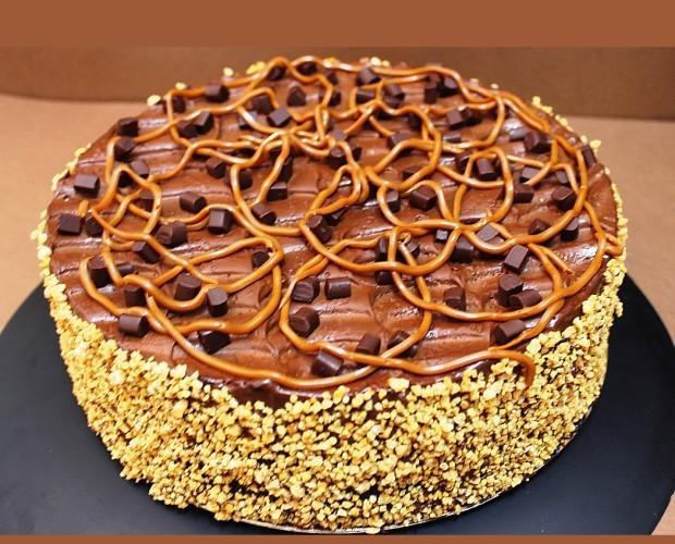 Tartas.Bizcocho de chocolate con rellenos. Peso 2,5 kg