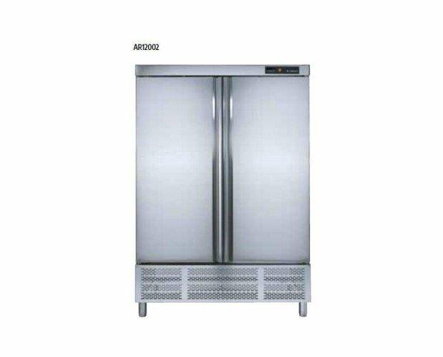 Armario Refrigerador. Control electrónico y digital de la temperatura de desescarche