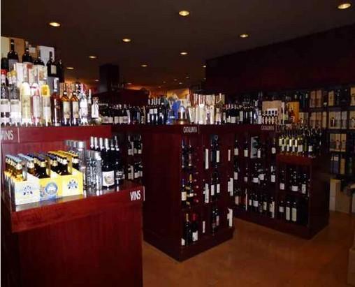 Vinos y cervezas. Distribución mayorista de vinos,cervezas y Tienda especializada