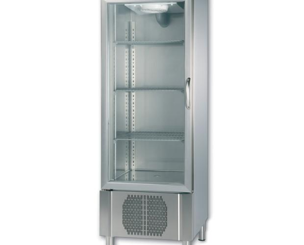 Armario de refrigeración. Diseñado para conservar los productos alimenticios