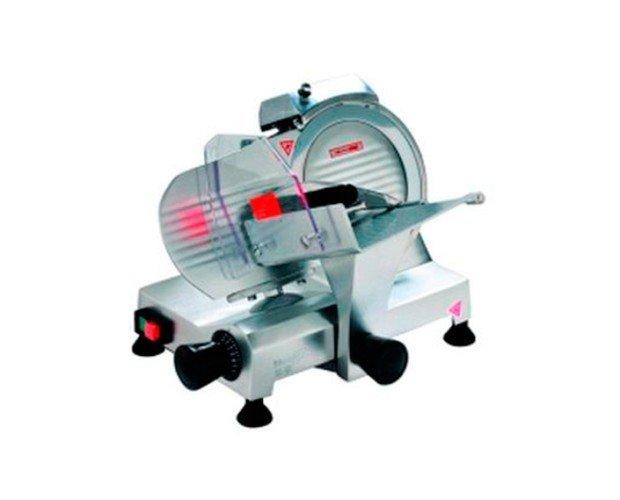 Cortadora Fiambres. Cortar con este tipo de máquinas es muy sencillo y cómodo