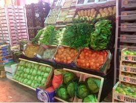 Variedad de frutas, fresas, ciruelas