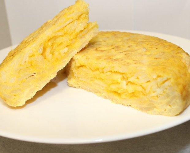 Tortilla de patatas. deliciosa tortilla de patatas