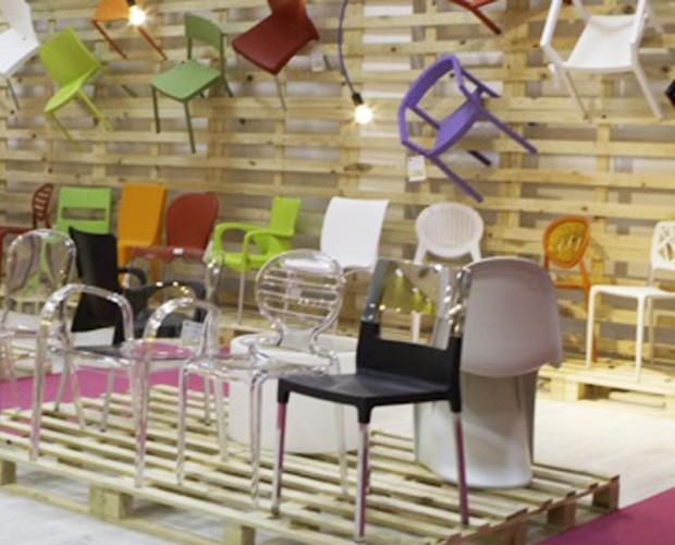 Mobiliario de Exterior.Algunas sillas que puede encontrar en exposición