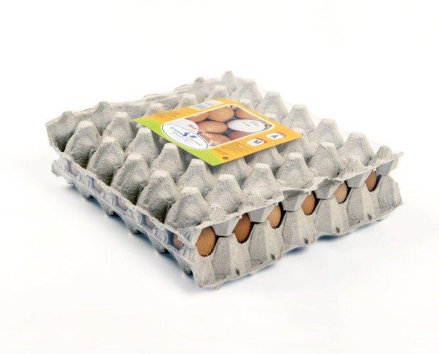 Cartón de 30 Huevos. Carton retractilado de 20 o 30 huevos. Tamaño de los huevos XL, L, M o S También se venden sin retractilar para hosteleria. Fecha de consumo preferente: 28 días de la fecha de puesta.