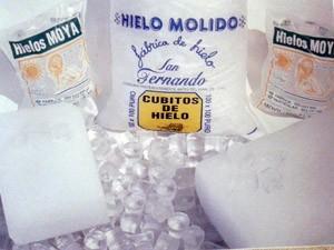Hielo en Cubitos.hielo en cubitos, en barra y picado