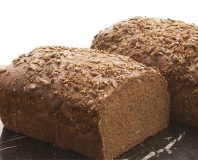 Pan de molde. Pan de molde con semillas