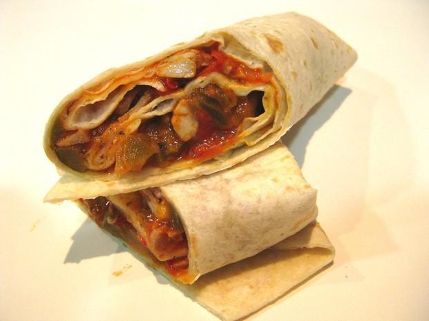 Burrito de pollo y queso. Vending de burritos