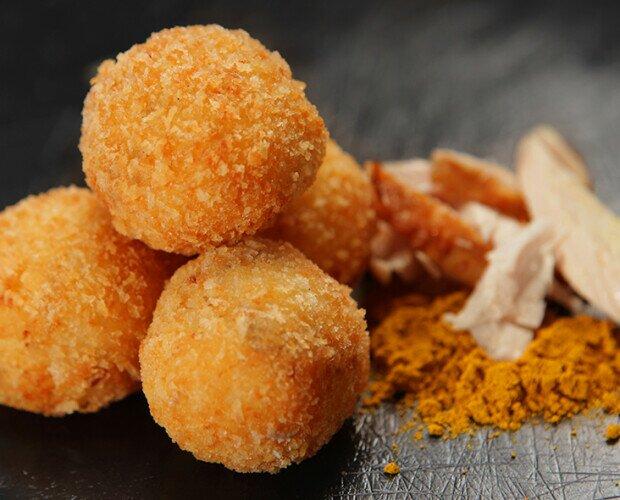 Croquetas de Pollo al Curry. Nuestras Croquetas mas asiáticas y mas exóticas.