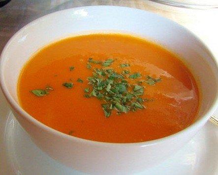 Sopa de tomate. Deliciosa al paladar