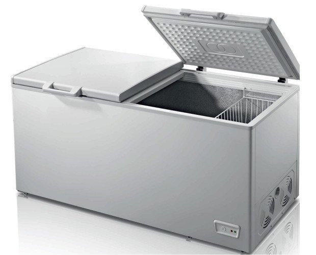 Congeladores.Congelador horizontal de doble puerta abatible.