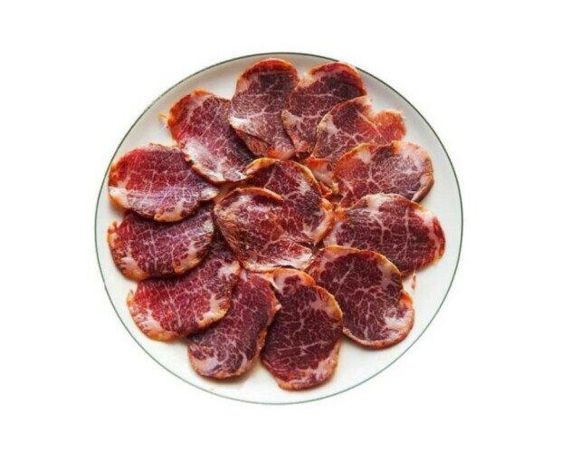 Lomito de Presa. Procede de cerdo 100% raza ibérica alimentado con bellota